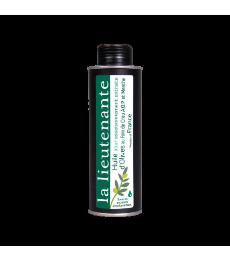 https://www.lalieutenante.com/115-thickbox_default/huile-pour-assaisonnement-extraite-d-olives-foin-de-crau-aop-et-menthe.jpg